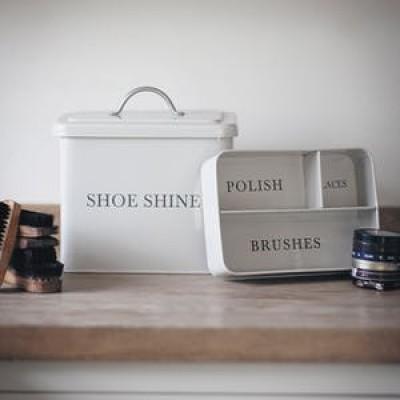 Shoe shine box in chalk